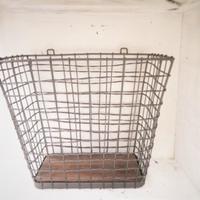 アイアンの壁掛けバスケット - 雑貨店PiPPi