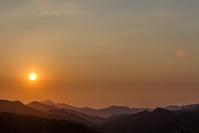 今日の夕焼け、武甲山に落ちる夕陽 - デジカメ写真集