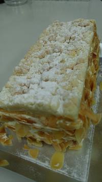 ユーハイムの「クッキーシューケーキ」 - 料理研究家ブログ行長万里  日本全国 美味しい話