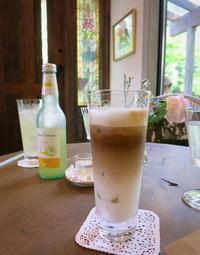 Cafe L'Abeille/カフェ・ラベイユ * 本格的にオープン♪ - ぴきょログ~軽井沢でぐーたら生活~