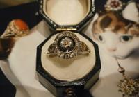 新着フェア開催中の銀座店より、エナメルダイヤモンドリングをご紹介いたします。 - AntiqueJewellery GoodWill