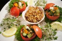 ■くらしのアンテナ 豪快!トマトをまるごと使った「トマトカップのサラダ」に掲載を頂きました♪ - 「料理と趣味の部屋」
