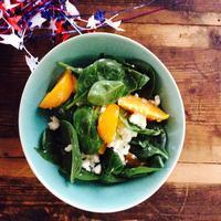 ベビースピナッチと黄桃のカッテージチーズサラダ&鉢植えミニトマト - E*N*JOY