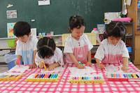 ジュースをどうぞ(すずらん) - 慶応幼稚園ブログ【未来の子どもたちへ ~Dream Can Do!Reality Can Do!!~】