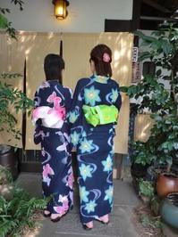 遊月定番紺色浴衣、帯と模様の色を合わせて。 - 京都嵐山 着物レンタル&着付け「遊月」