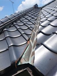 瓦屋根と銅板谷って長寿命材料だけど組合せによって駄目になる場合がある - カワケンのほほんブログ