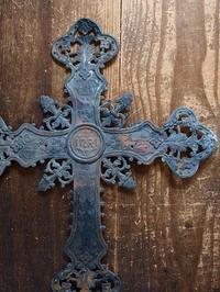 美しいレリーフの十字架  /566 - Glicinia 古道具店