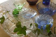 ヤマブドウとレトロなガラス - CROSSE 便り