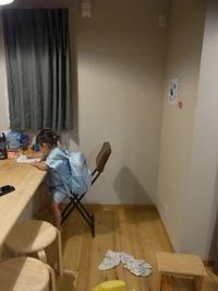 次女の絵と長女の作品。 - 子どものいる暮らし。