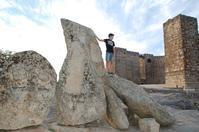 血が混ざったことを記念した石〜トゥルヒージョにて - 村人生活@ スペイン