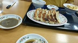 美味しい!酢胡椒で食べる餃子(^w^) -
