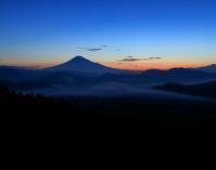 雲海に浮かぶ 富士 - 休日はタンデムツーリング