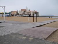 車いすでも海辺まで - 車いすで街へ 踏み出そう車輪の一歩