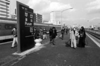 釜山で撮ったモノクロ写真 釜山駅など - ピンホール写真 Pinhole Photography 旅(非日常)と日常(現実)を行きつ戻りつ