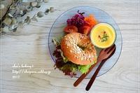 レーズン酵母ベーグルサンドでのんびりランチ - *sheipann cafe*