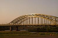 旭橋とその橋脚 - inside out