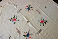 麻ティー用刺繍小テーブルクロス206   sold out! - スペイン・バルセロナ・アンティーク gyu's shop