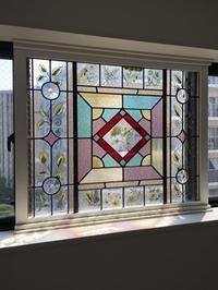 設置されました・・・ - atelier GLADYS  ステンドグラス工房 作り手の日々
