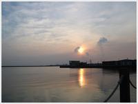三連休の1日、寝坊返上で朝散歩、早朝の海は気持ち良いね~ - さくらおばちゃんの趣味悠遊