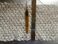 Wネット模様編みショール2017…その3 - いととはり