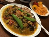 夕飯は今日も夏野菜の蒸し煮でカレー♪ - よく飲むオバチャン☆本日のメニュー