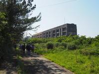 2017.04.29 カプチーノ九州旅38 池島炭鉱さるく⑪8階建アパート海側 - ジムニーとカプチーノ(A4とスカルペル)で旅に出よう