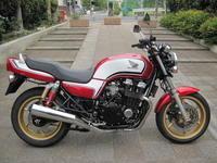 CB750 - バイクの横輪