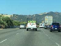 フリーウェイで西瓜のトラック - ちょっと田舎暮しCalifornia