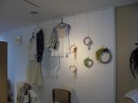 「夏をすてきに楽しむ小品展」開催中 - ハイブリッドホームのリフォーム日記