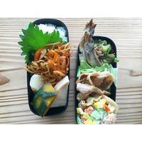 豚生姜焼きとシシャモBENTO - Feeling Cuisine.com