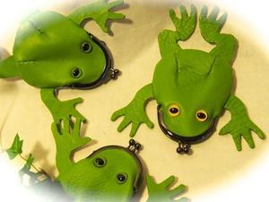 本革手縫いフルハンドメイド小さなカエルのがま口 - 布と木と革FHMO-DESIGNS(えふえっちえむおーでざいんず)Favorite Hand Made Original Designs