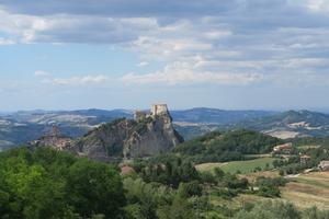 カリオストロの城、サンレオとデスクトップ不調 - イタリア写真草子 - Fotoblog da Perugia