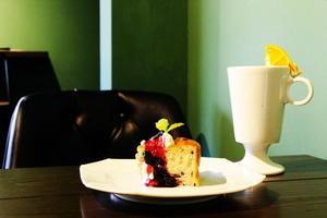 サルトリイバラ喫茶室/高円寺 - 平日、会社を休んだら