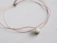白い紫陽花とピンクのぞうさん。 - 『 紙とえんぴつ。』 kamacosan. 糸とビーズのアクセサリー