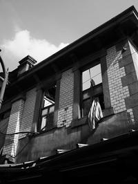 屋根のない家 - 節操のない写真館