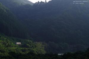 山裾を縫って - ローカル鉄道散歩