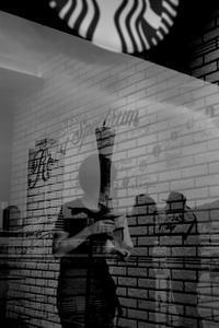 カフェにて - ホンテ島 日記