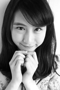 田川紗永ちゃん38 - モノクロポートレート写真館