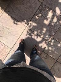 スタッフスタイル @暑い日にはデニムと下駄 - 下駄げたライフ