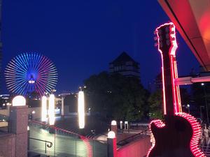 ハードロックカフェ横浜で - ケチケチ贅沢日記