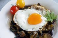 ■簡単5分!!【茄子と大葉の麵つゆ炒め 目玉焼きを乗せてねっ!^^】  - 「料理と趣味の部屋」