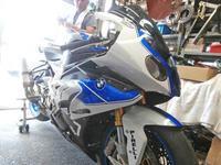 F田サン号 BMW HP4にFRPカウル装着♪(^O^)/ - バイクパーツ買取・販売&バイクバッテリーのフロントロウ!