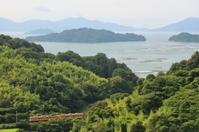 島の向こうに島が浮かぶ - ゆる鉄旅情