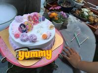バースディガールのケーキin日本 - けいこでモンキ☆らんど