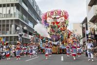 ねぶたはプロが、八戸三社大祭の山車は市民が作っている - RÖUTE・G DRIVE AFTER DEATH