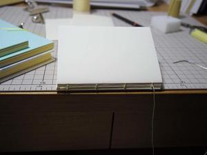 手作りの癒し効果 - 手製本クリエイター&切絵コラージュ作家 yukai の暮らしを愉しむヒント