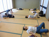 7月13日 骨盤ケア体操教室を開催しました - 子育てサークル たんぽぽの会