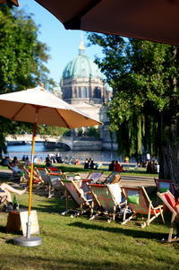 AMPELMANN Cafe-Restaurant in Berlinにて、DuとSieの話 - べルリンでさーて何を食おうかな?