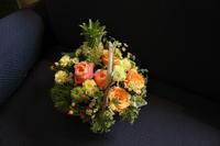 ご友人様へお礼の花 バスケットでお任せ - 北赤羽花屋ソレイユの日々の花