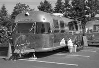 ローズガーデン・アイスクリームスタンドとレチナの絞り値リングの修理 - 照片画廊